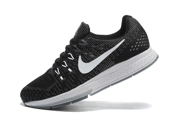 รู้จักกับรองเท้า Nike รุ่นยอดนิยม
