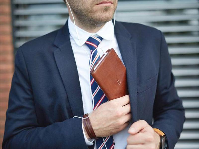 กระเป๋าสตางค์สำหรับสุภาพบุรุษที่ได้รับความนิยม
